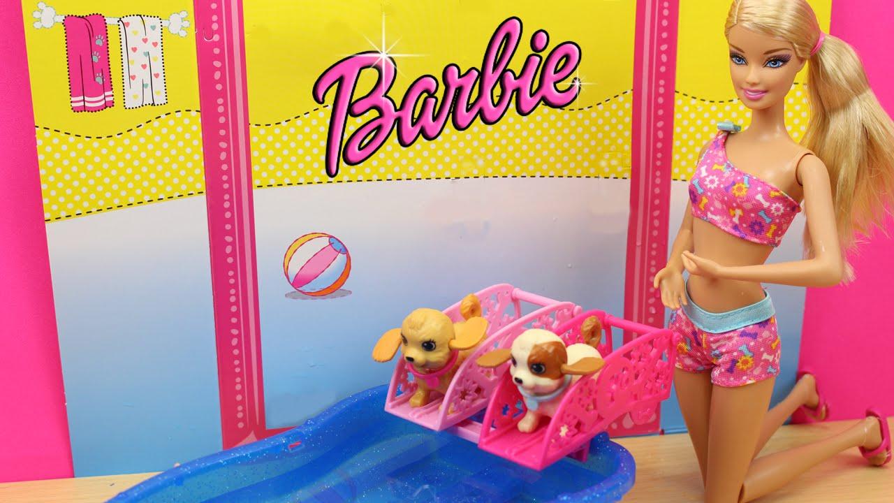 Barbie y sus perritos nadadores en la piscina juguetes for Juguetes de piscina