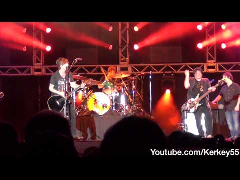 The Goo Goo Dolls - Here Is Gone (Live at Universal)