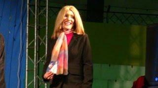 """Festival del Humor con la """"Señorita Laura"""""""