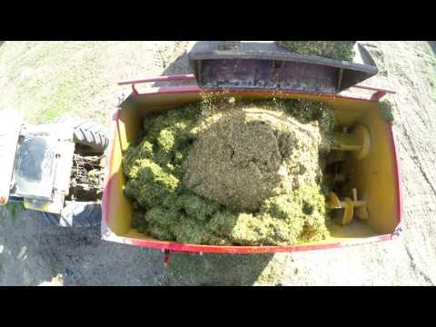 Mixer procesador de rollos Mainero 2932. Mezcla alfalfa fresca