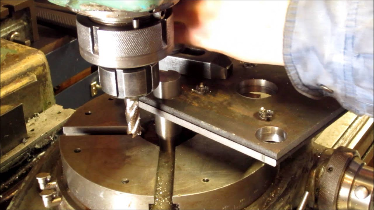 Cutting A Radius With A Rotary Table Youtube