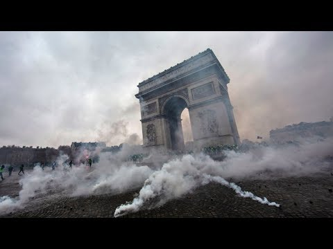 France's 'Yellow Vest' Protests Emerged Spontaneously, without Leadership