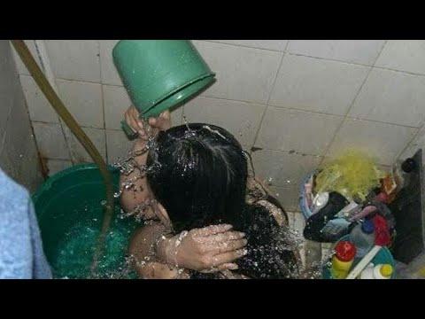 Rekaman cewek bispak lagi mandi