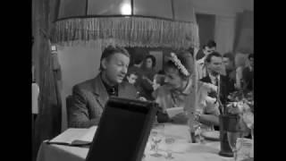фрагмент из фильма «Дайте жалобную книгу» 1964 года
