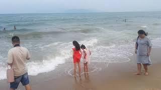 Ob-havo va dengiz. Nha Trang. 30.09.19, 17 soat. Mehmonxona Yasaka Shrine oldida beach.