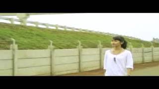 Download Video REXY 'PERIKU' MP3 3GP MP4