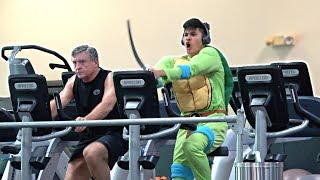 Download SCREAMING Loudly in the GYM PRANK! Mp3 and Videos