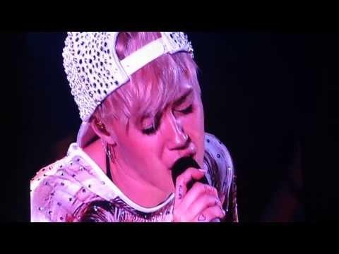 """Miley Cyrus Bangerz Tour """"LandSlide"""" 2/24 Oakland, CA"""