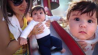 PRIMEIRA VEZ NO ESCORREGADOR!! Daily Vlog em Familia no Parquinho - Playground para Crianças