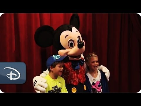 Meet magician mickey mouse at town square theater walt disney meet magician mickey mouse at town square theater walt disney world youtube m4hsunfo