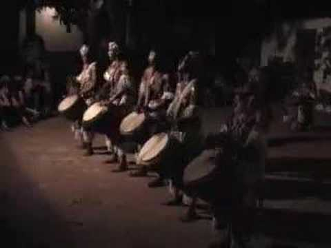 African Women Djembefola