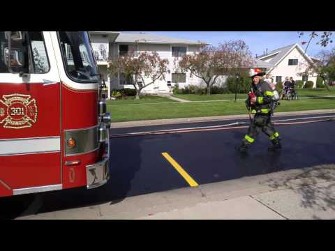 Working Fire Brighton Fire Department, Rochester NY (dog rescue) October 4th 2015