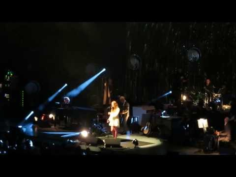2013-10-12 - Can't Sleep by Above & Beyond Acoustic @ The Greek Theater (Annie Drury)