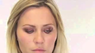 Макияж для голубых глаз видео. Как делать макияж для голубых глаз
