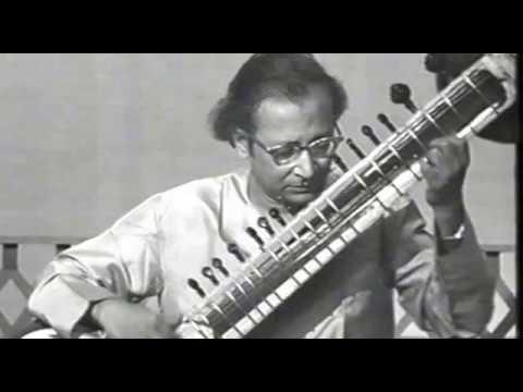 Pt.  Nikhil Banerjee - Raga Patdeep, Kolkata 1970s