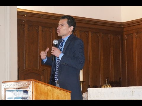 El Bautismo Pastor: Leonardo Garcia