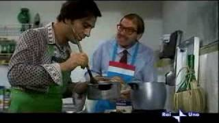 Vedo Nudo (1969) Nino Manfredi, Enrico Maria Salerno - lo zucchero al posto del sale