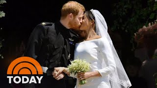 See Prince Harry And Meghans Kiss On The St. Georges Chapel Steps TODAY