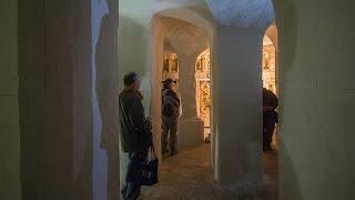 Белгородская обл. Подземный монастырь в Холках. Часть 1.(Монастырь в Холках основан в 1619 году. Монастырь расположился на поверхности меловой горы. Изначально монас..., 2016-05-20T08:09:07.000Z)