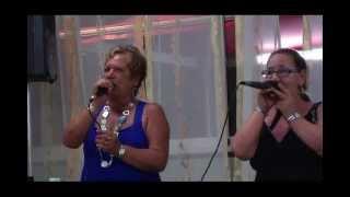 Karaoke: Annamaria&Carmela cantano MALATTIA D'AMORE di Donatello