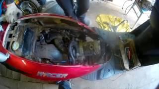 РЕМОНТ СКУТЕРА RACER-150CC ( много дыма )
