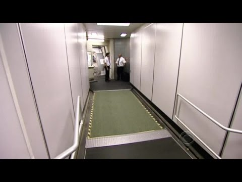 Undercover Boss - S02E04 ''Frontier Airlines''