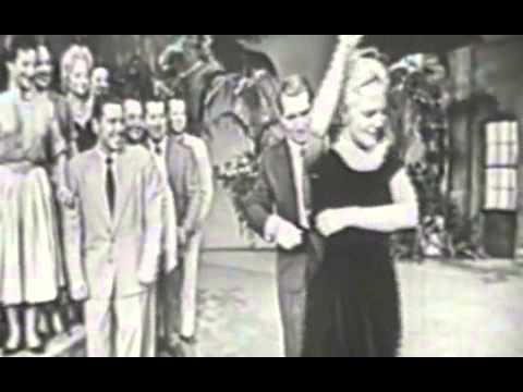Perry Como Papa Loves Mambo (1954)