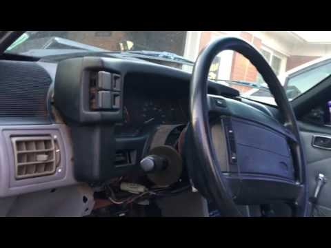 93 Mustang Hatch Gauge Removal Pt.1