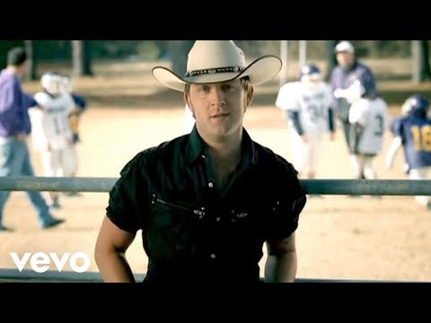 Justin Moore – Small Town USA #CountryMusic #CountryVideos #CountryLyrics https://www.countrymusicvideosonline.com/justin-moore-small-town-usa/ | country music videos and song lyrics  https://www.countrymusicvideosonline.com