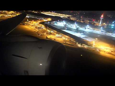 Cathay Pacific Boeing 777-300 Takeoff in Singapore Changi Airport [CX714]