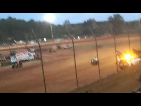 Sprint cars at Harris speedway.  9-30-2017