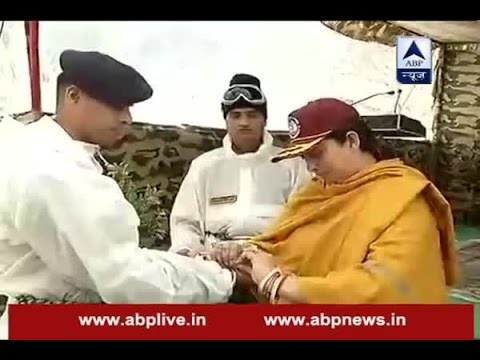 Textiles Minister Smriti Irani celebrates Raksha Bandhan with soldiers in Siachen