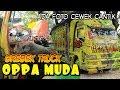 Download ADA CEWEK CANTIK !!! Grebek Ruang Kabin Truck Oppa Muda Cabe Setan