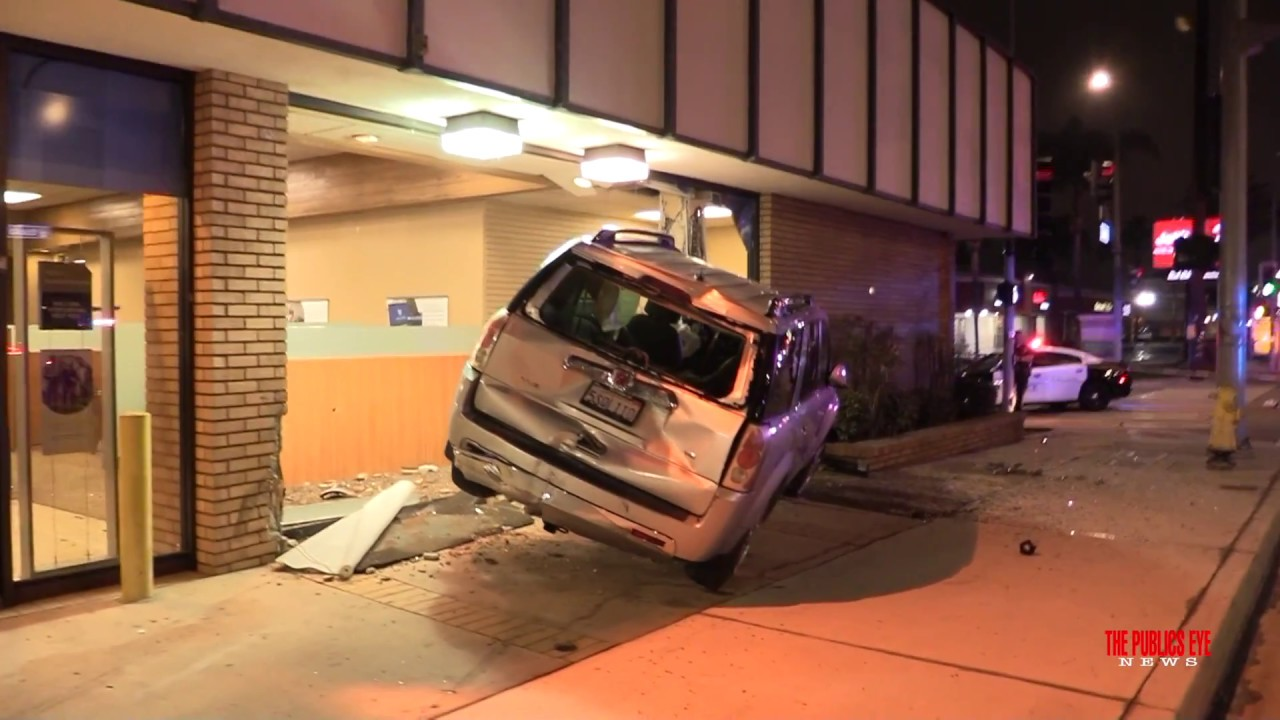 stolen car smashes into chase bank after short police pursuit in anaheim - Chase Bank Open Christmas Eve