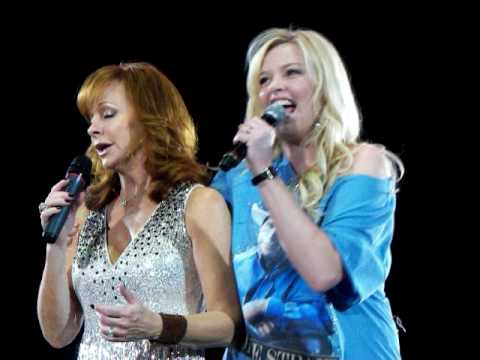 Second half of I'm a Survivor - Reba McEntire 2010 Concert