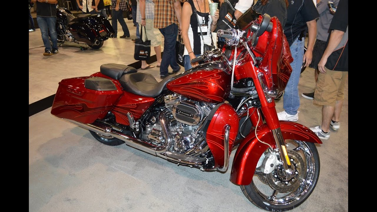 Harley Davidson Street Glide Purple With Flames