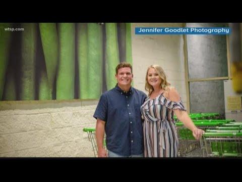 Ken Payne - Florida Couple Take Their Engagement Photos At Publix