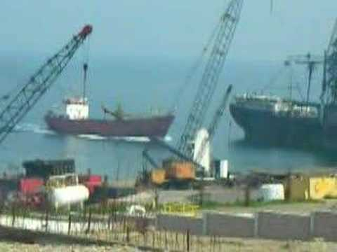 Scrap ship running for demolition