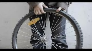 How to Replace a Bicycle Inner Tube : How to Repair Bicycles