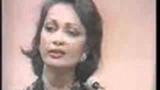 Tum Na Janay Kis Jahan- By Chitra Singh Live Recording.wmv