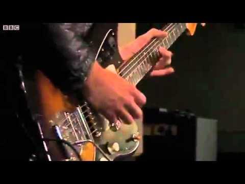 Arctic Monkeys - Katy On A Mission (BBC Radio 1's Live Lounge)