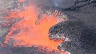 Major earthquakes rock Hawaii as Kilauea volcano erupts