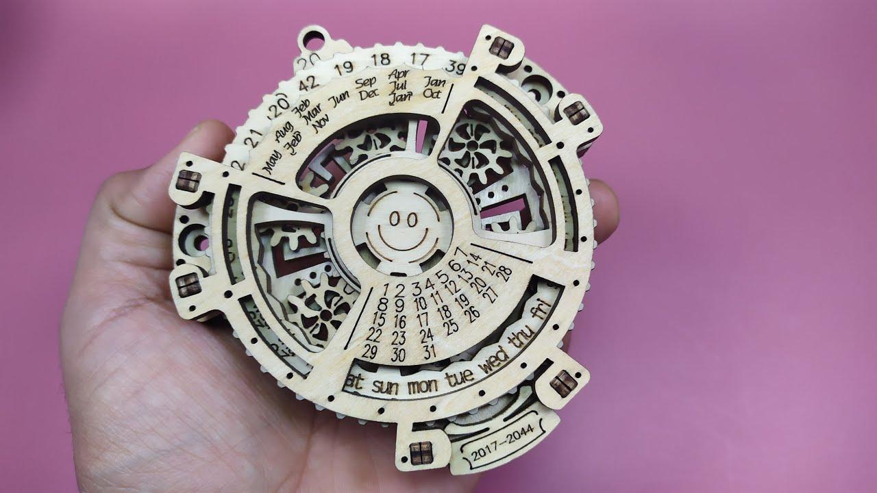 يومية خشبية على شكل احجية ثلاثية الابعاد Perpetual Calendar 3D Puzzle Wooden Toys