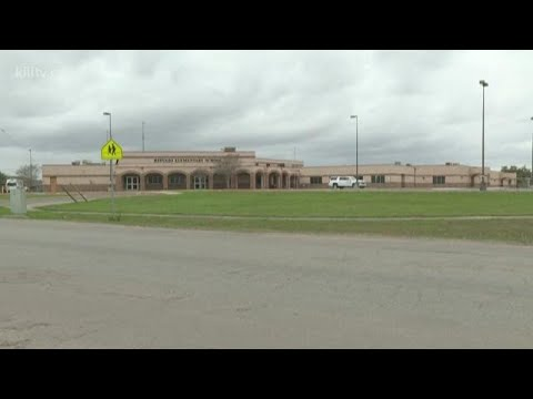 Refugio Elementary School students relocated due to bat problem