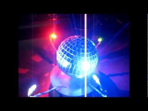 видео: Как сделать зеркальный диско шар с мотором своими руками / Самоделки sekretmastera