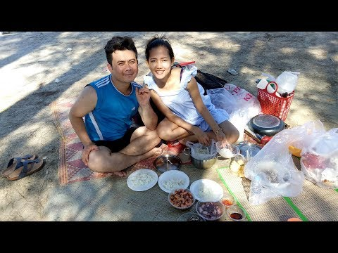 """Celebrate new year eve - Recreation to the beach and food fellowship with family for new year 2018"""""""
