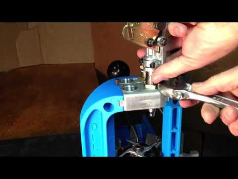 Setting up dies in a Dillon RL 550B