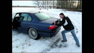 E38 7-serie BMW snow fun.