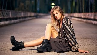 Behind the Scenes of a Stock Photo Fashion Shoot with the Fuji Xt-1