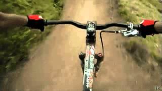 Трюки на велосипеде(Больше смешного видео на http://rufun.net/fun/1895/, 2015-04-09T14:16:23.000Z)
